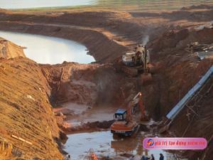 Người đi xây hồ Kẻ Gỗ  -  Bài ca đi cùng năm tháng