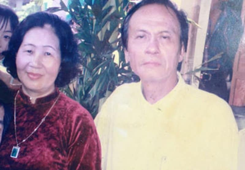 Hoàng Phương và người vợ đầu. Ảnh trong bài: NN