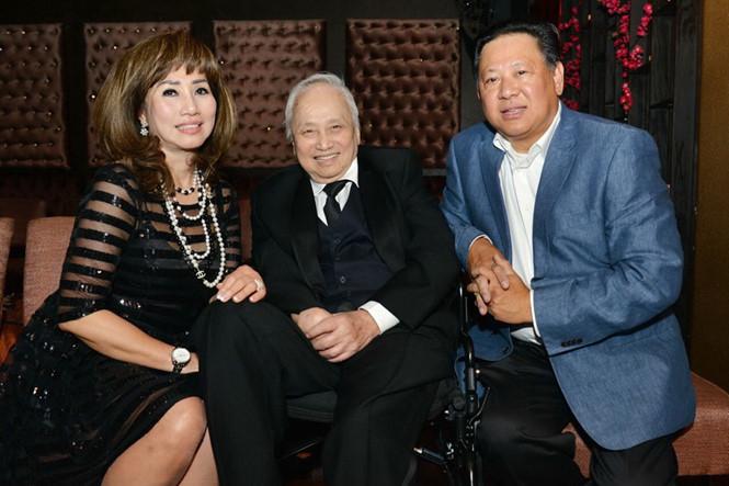 Nhạc sĩ Lam Phương cùng gia đình em gái út tại Mỹ