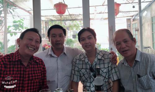 Từ trái sang: NSƯT Thế Hiển; Tác giả, nhạc sĩ Nguyễn Quang Vinh- Phó Chủ tịch TT Hội Âm nhạc TP.HCM và nhà báo Hà Đình Nguyên. (Ảnh: Thế Vượng).